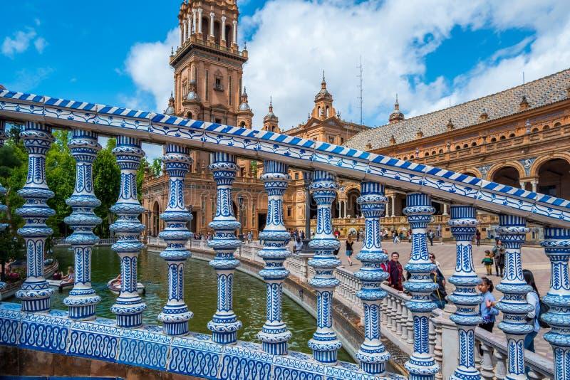 D?tail architectural sur un pont ? la plaza de Espana dans la ville de S?ville dans la r?gion de l'Andalousie de l'Espagne image stock