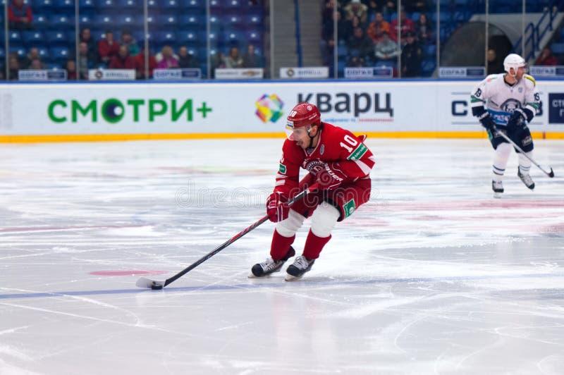 D Tsiganov (10) dribble stock afbeelding