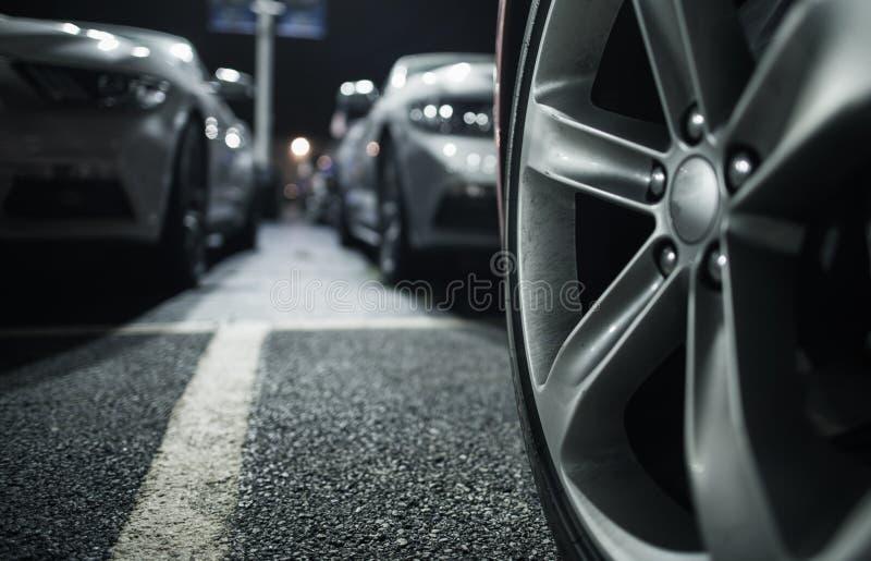 Download Długookresowy Samochodowy Parking Obraz Stock - Obraz złożonej z bezpiecznie, pojazd: 106917401