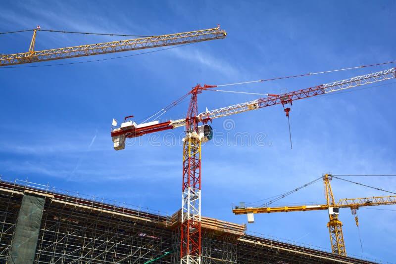 Download Dźwigów Budowlanych Miejsce Zdjęcie Stock - Obraz złożonej z przemysłowy, budynek: 53792048