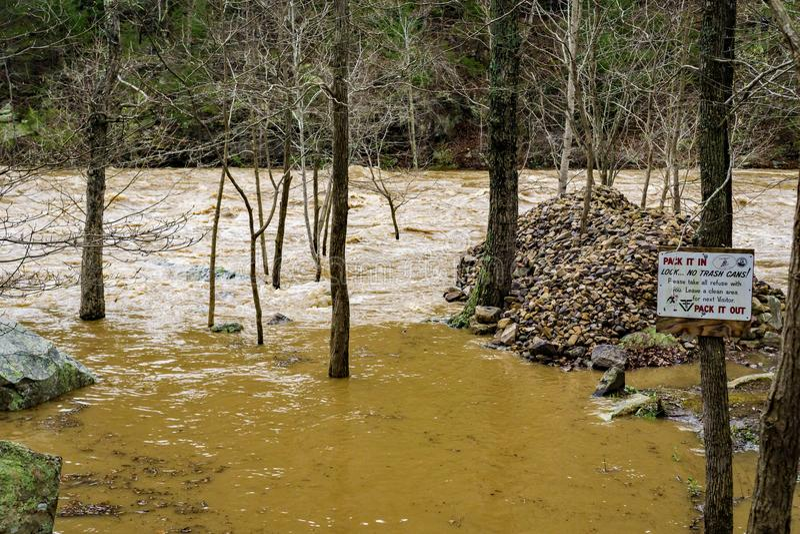 Daño causado por inundación en Maury River imagen de archivo libre de regalías