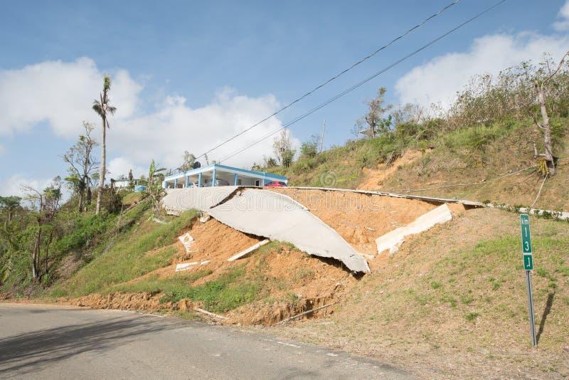 Daño de camino del huracán Maria, septiembre de 2017 imagenes de archivo