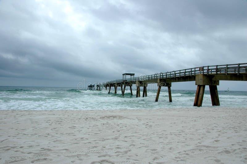 Daño del embarcadero de la pesca del huracán fotografía de archivo libre de regalías