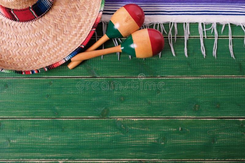 Da festa mexicana dos maracas do sombreiro da beira do fundo de México gre velho fotos de stock