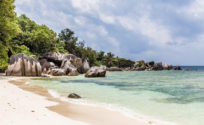 ` Da fonte d de Anse argento no La Digue Seychelles fotografia de stock