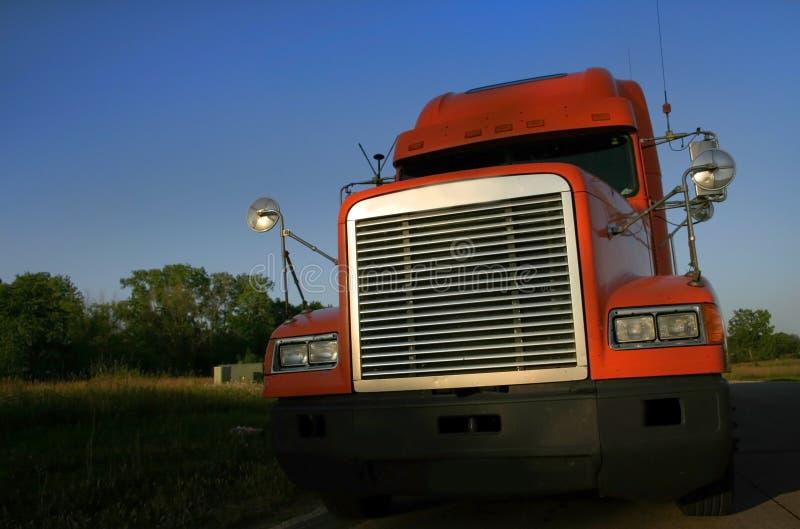 Da laranja caminhão Semi foto de stock royalty free