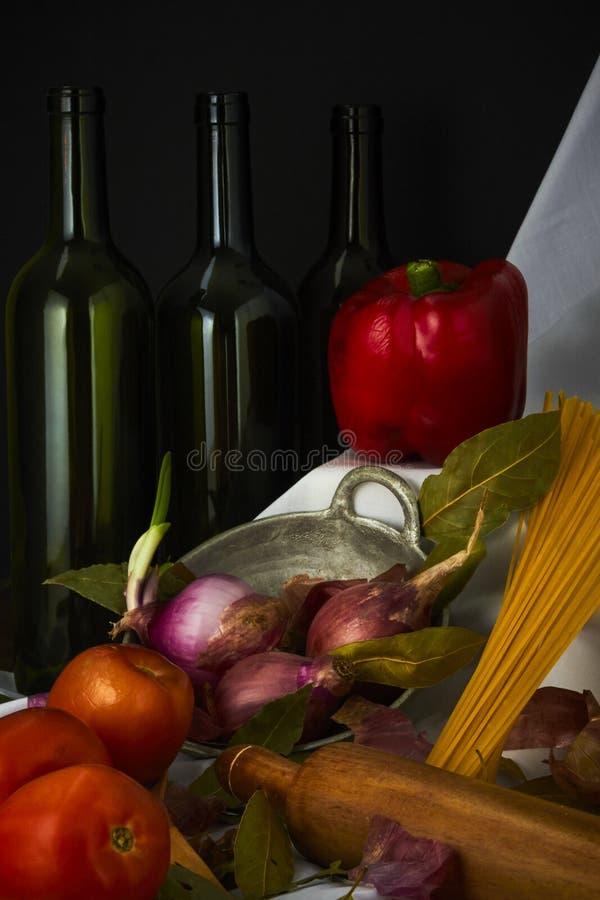 Da massa dos ingredientes vida italiana ainda imagem de stock royalty free