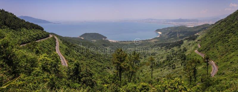 Da Nang-Bucht und Stadt von Hai Van Pass, Thua Thien-Hue Provinz, Vietnam stockbilder