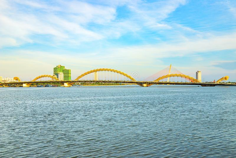 Da Nang, Vietnam - 23. JUNI 2019: Dragon Bridge in Danang, Vietnam lizenzfreie stockfotografie