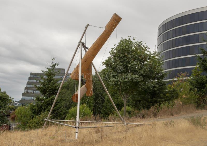 ` Da xadrez do ` s de Bunyon do ` por Mark di Suvero, parque olímpico de Sculptue, Seattle, Washington, Estados Unidos fotografia de stock
