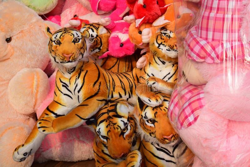 Dacca, Bangladesh, - marzo, 06, 2019: bambole della tigre di Bengala reale fotografia stock libera da diritti