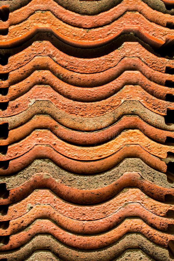 Download Dachówkowa glina zdjęcie stock. Obraz złożonej z liszaj - 28964744