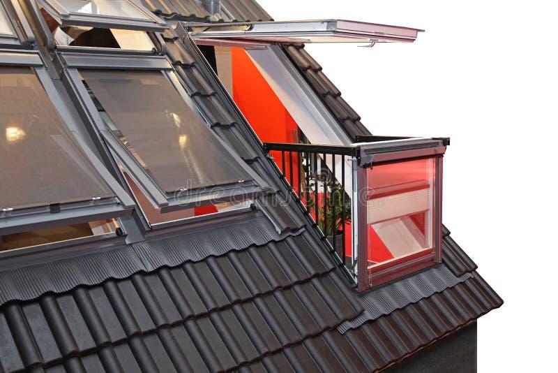Dach-Fenster-Balkon stockfotografie