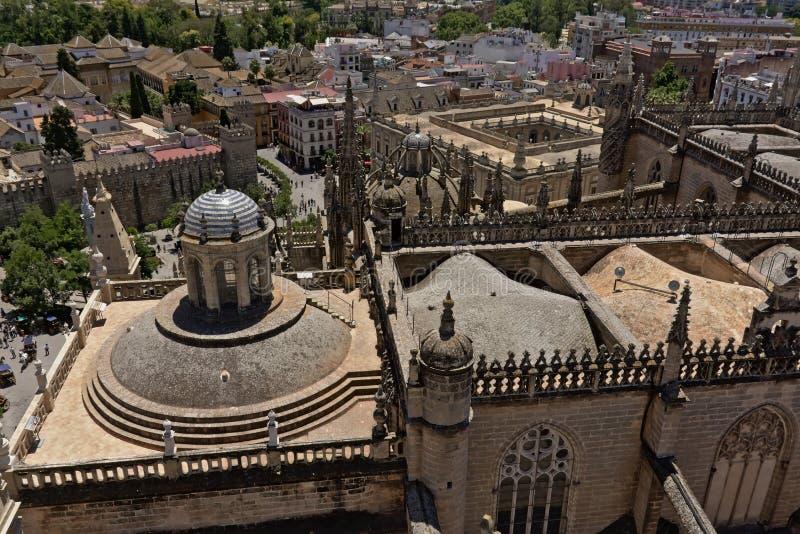Dach Seville katedra z miastem w tle, widok z lotu ptaka zdjęcia royalty free