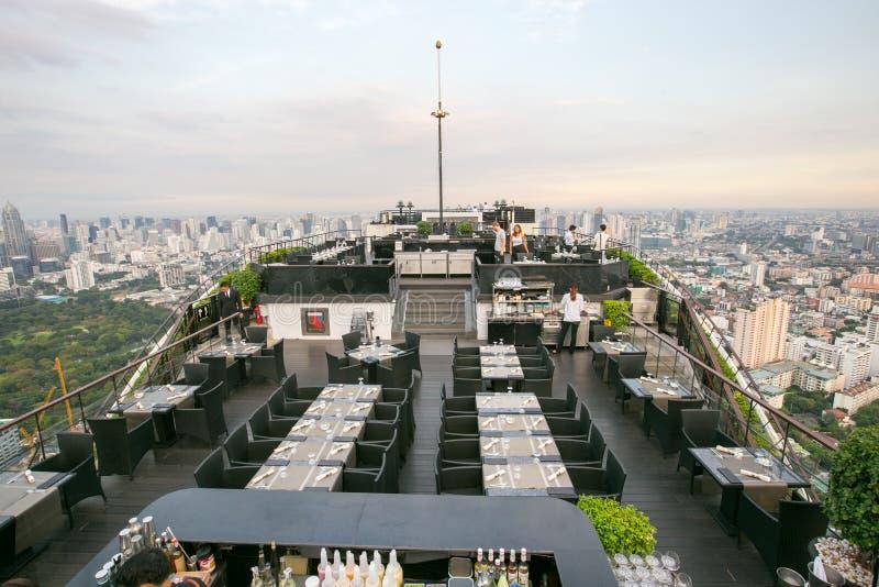 Dach-Spitzenrestaurant lizenzfreie stockbilder
