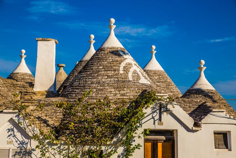 Dach Trulli domy - Alberobello, Apulia, Włochy obraz royalty free