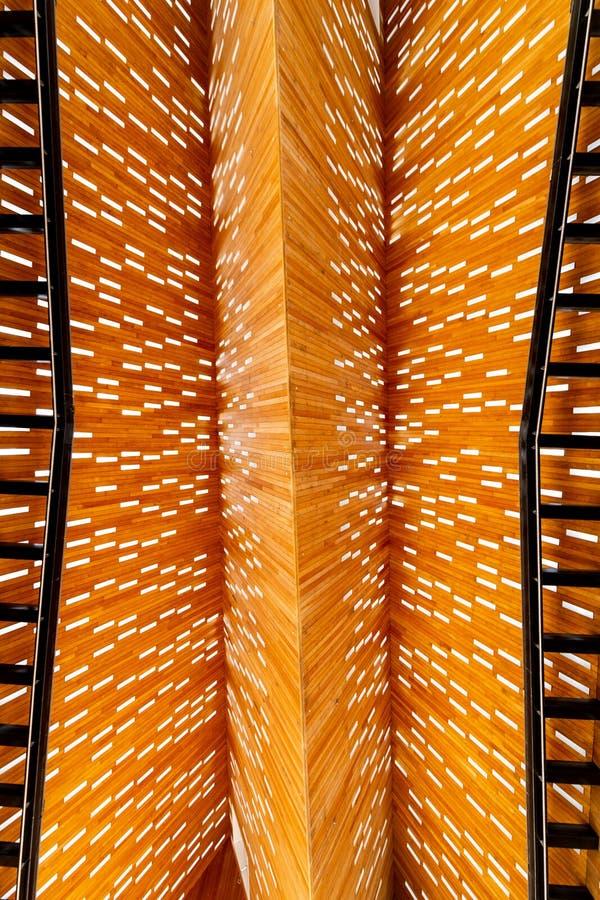 Dach von innen der modernen Markthalle im Herrn in Belgien lizenzfreie stockfotografie