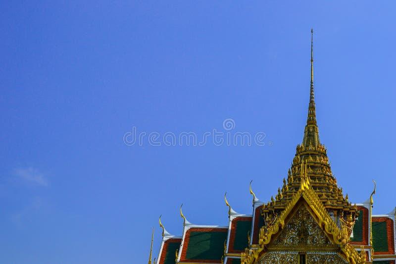 Dach w niebieskim niebie obraz royalty free