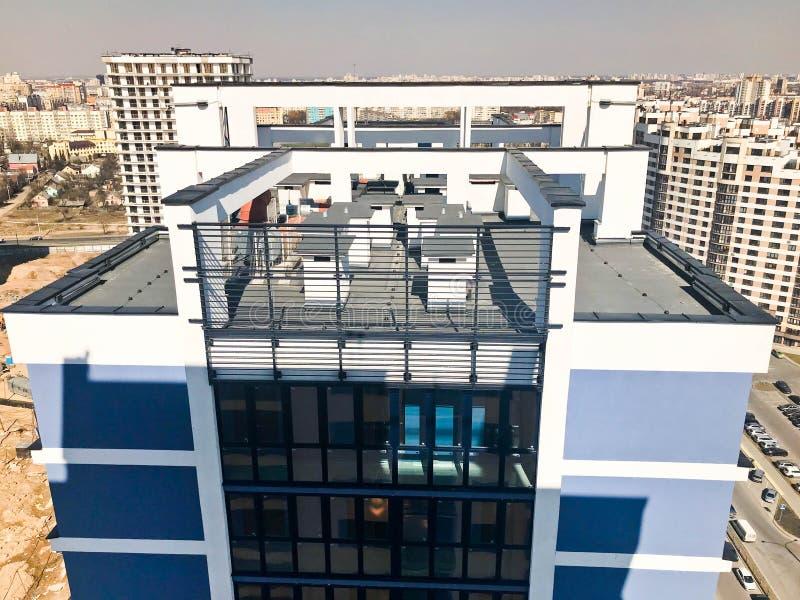 Dach wysokość wzmacniający beton, panel, rama, bloków domy, budynki, drapacz chmur, nowi budynki fotografia stock