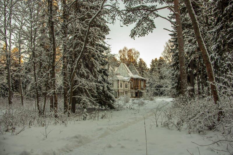 Dacha pelo pintor Ilya Repin do russo fotos de stock royalty free