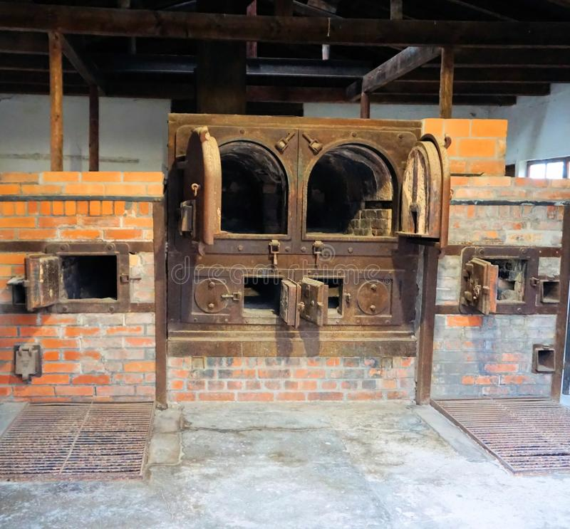 Dachau, ανώτερη Βαυαρία/Γερμανία - το Μάρτιο του 2018: Κρεματόριο μέσα στο στρατόπεδο συγκέντρωσης Dachau στοκ εικόνα με δικαίωμα ελεύθερης χρήσης