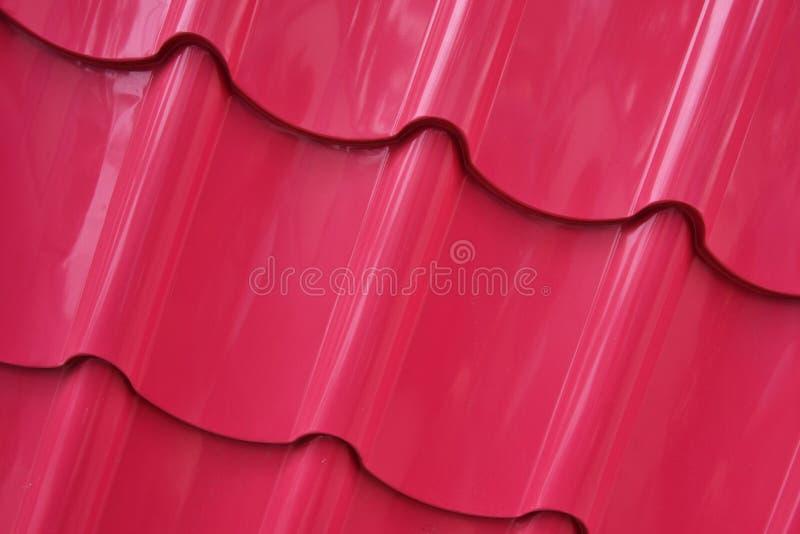 Dachbeschaffenheit gemalt in der rosa Farbe lizenzfreie stockfotos