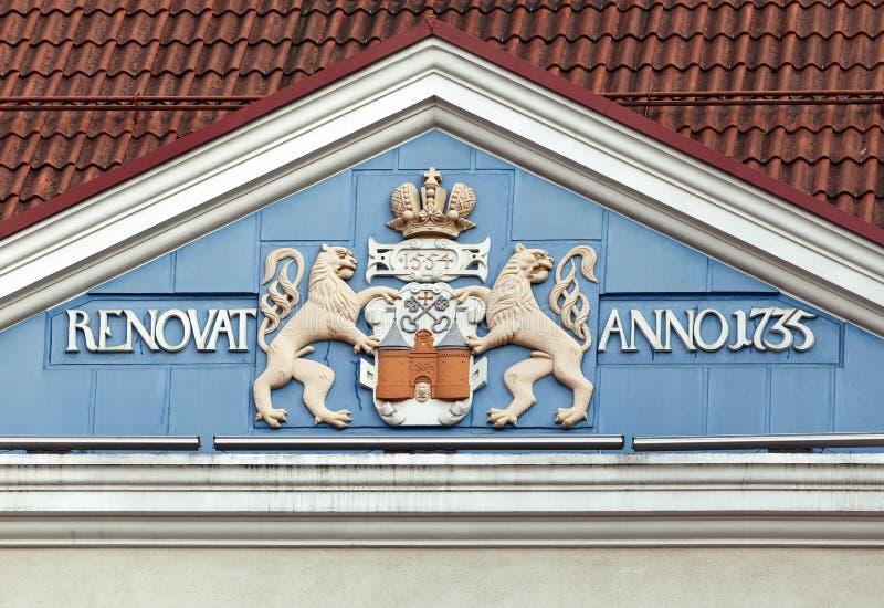 Dachboden eines alten Hauses in Riga stockfotografie