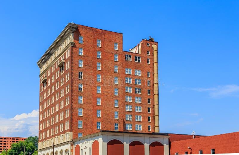 Dachboden-Wohnungs-Fassade in Montgomery, Alabama stockfoto