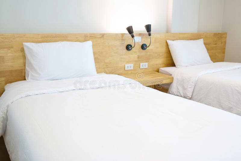 Dachbodenschlafzimmer lizenzfreie stockfotografie