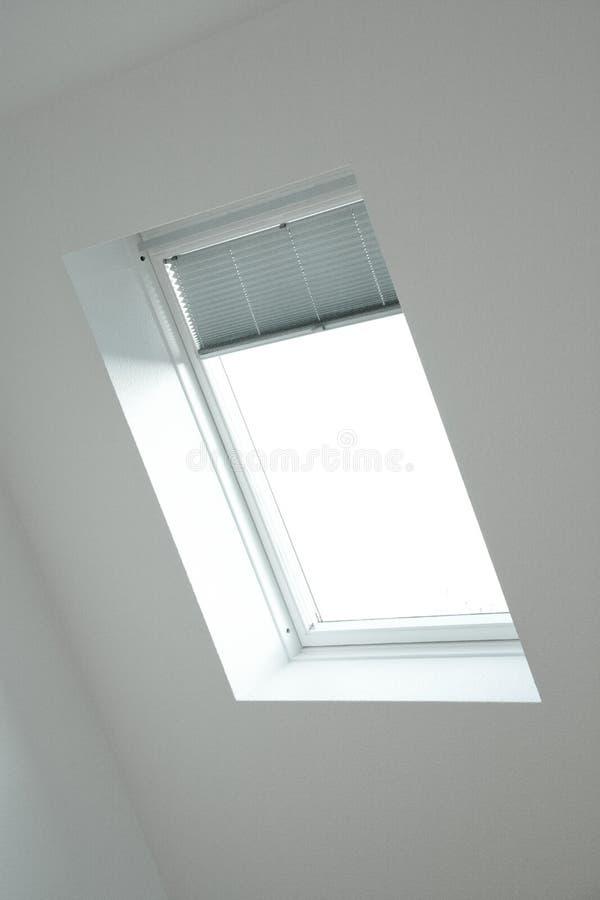 Dachfenster lizenzfreies stockfoto