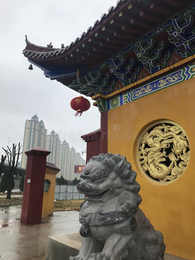 Dachgesimsbogen-c$lianchi Tempel, Nanchang stockbild
