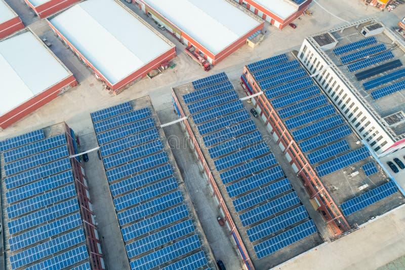 Dachowa energia słoneczna zdjęcia stock