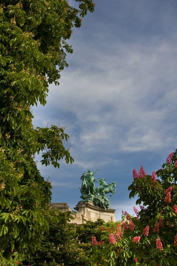 Dachowa Palais uroczysta statua zdjęcia stock