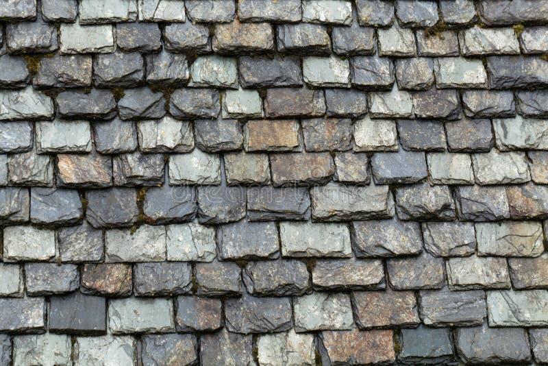 Dachowa pokrywa z łupkowymi talerzami zdjęcia royalty free