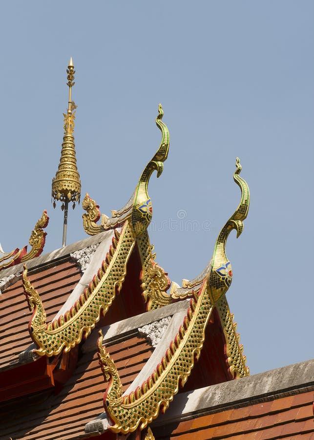 Dachowa tajlandzka świątynia zdjęcia stock