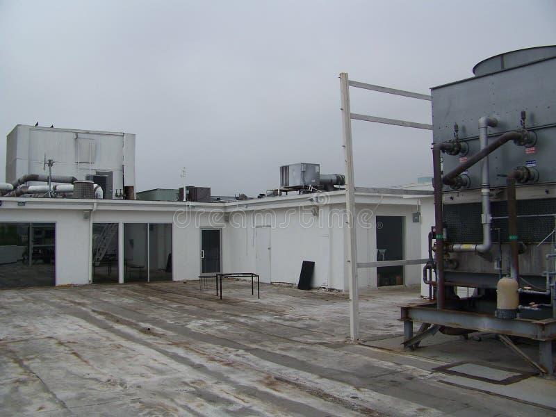 Dachowy wierzchołek Na Chmurnym dniu fotografia stock