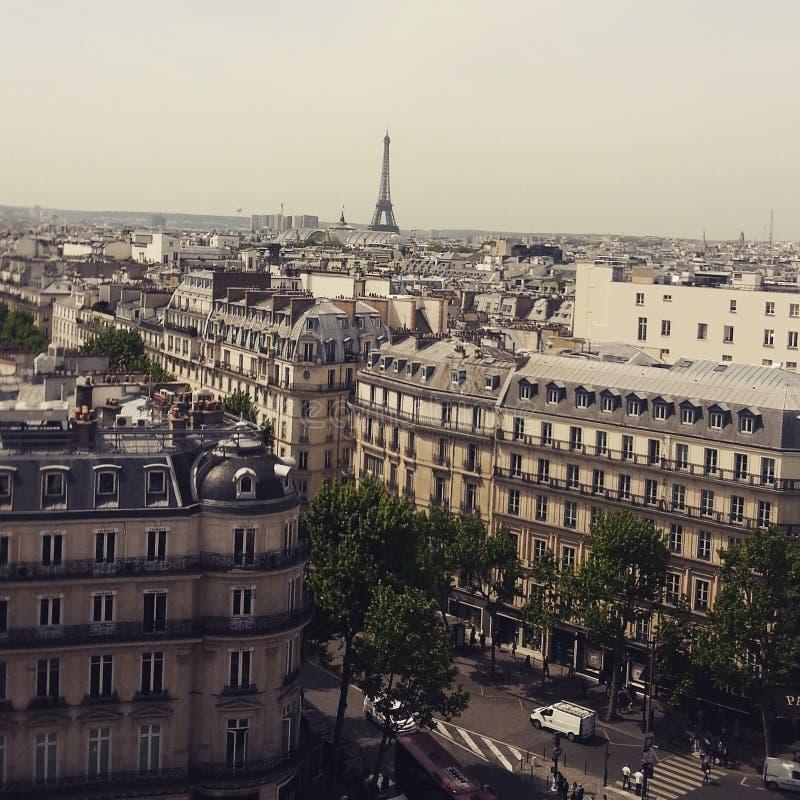 Dachspitzenansicht in Paris stockbilder