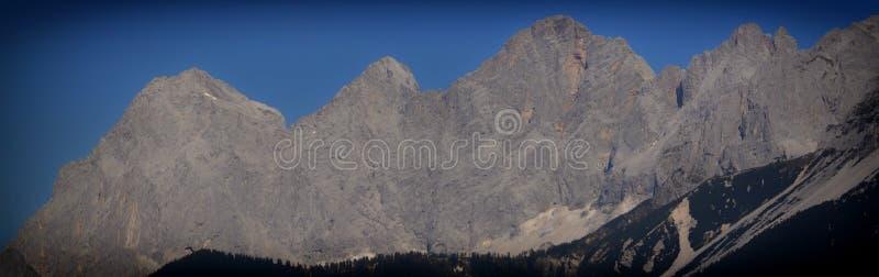 Dachstein石灰石断层块 库存照片