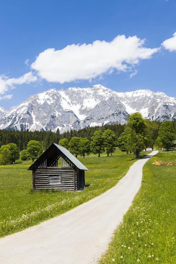 Dachstein e paisagem perto de Ramsau, Áustria imagens de stock