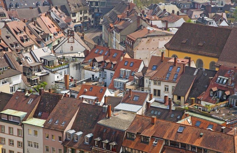 Dachy budynki w Freiburg im Breisgau mieście zdjęcia stock