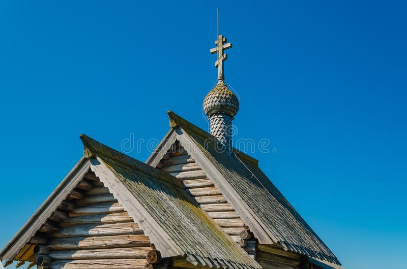 Dachy i kopuła z krzyżem kościół rezurekcja Lazarus Kościół rezurekcja Lazarus jest jeden obraz royalty free