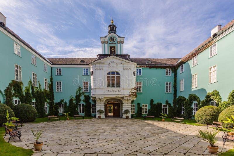 Dacice castle i Tjeckien royaltyfria foton