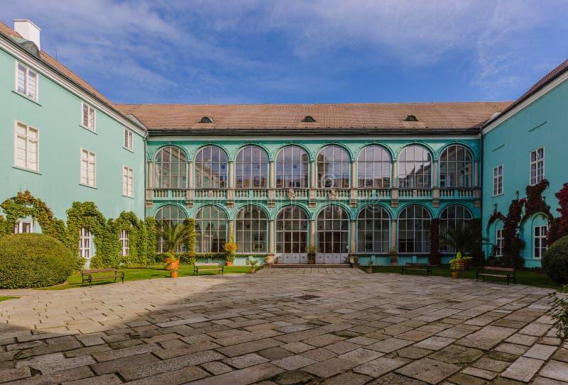 Dacice castle i Tjeckien royaltyfria bilder