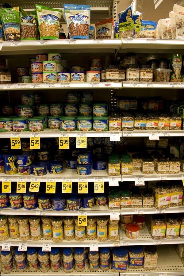 Download Dadi, Arachidi In Supermercato Immagine Stock Editoriale - Immagine di supermercato, arachidi: 30830364