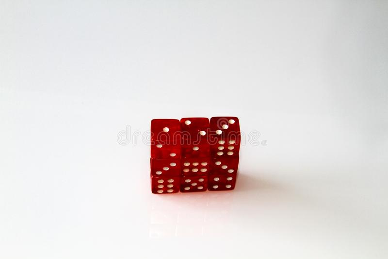 Dados do casino no branco jogo isolate fotos de stock