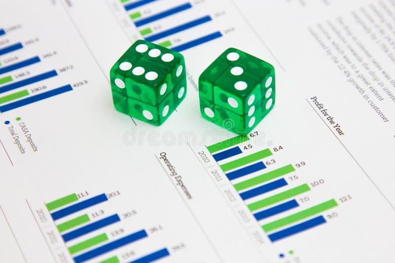 Dados en las finanzas I foto de archivo