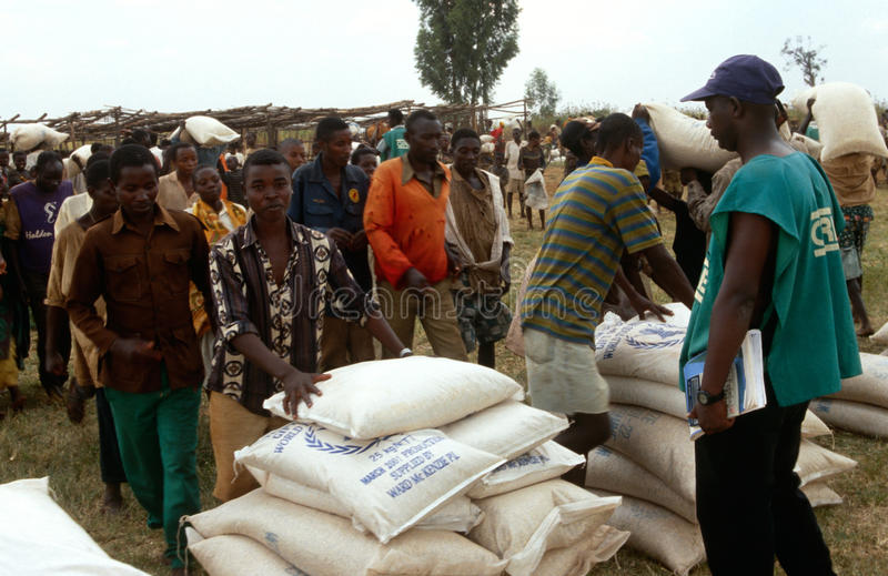 Dae (dispositivo automático de entrada) de alimento em Burundi. fotos de stock