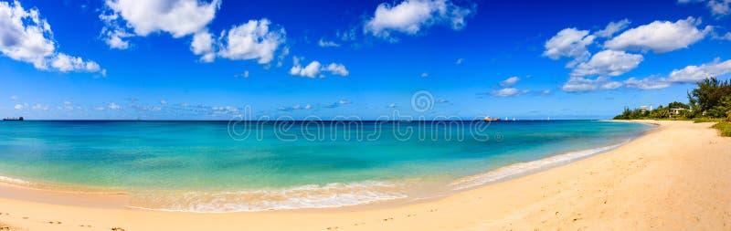 Dag bij het strand in het Caraïbische Eiland van Barbados, stock afbeelding