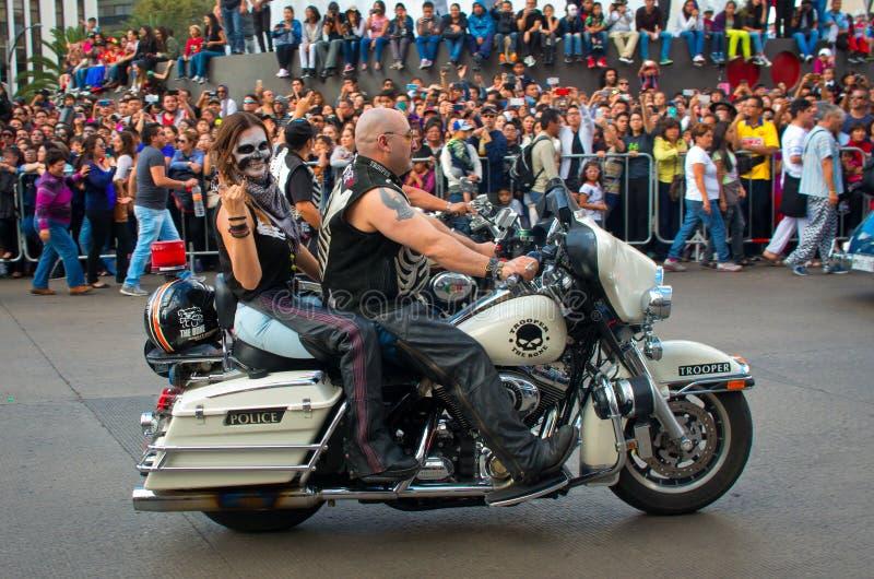 Dag van de dode parade in Mexico-City stock foto
