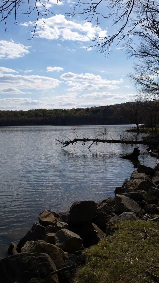 Dag vid sjön royaltyfri fotografi